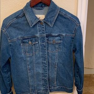 Hollister tie up jean jacket. Size small